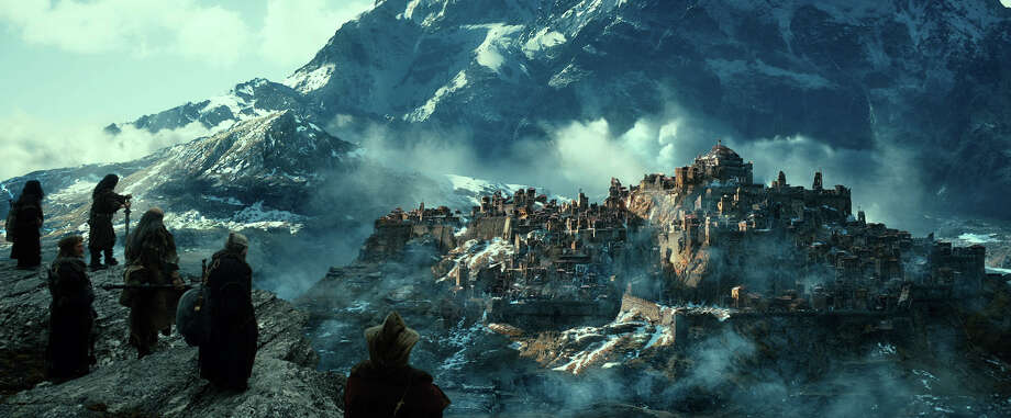 A scene from New Line Cinema'ƒÙs and MGM's fantasy adventure 'ƒ?THE HOBBIT: THE DESOLATION OF SMAUG,'ƒ? a Warner Bros. Pictures release. Photo: Courtesy Of Warner Bros. Picture / © 2013 Warner Bros. Entertainment Inc. and Metro-Goldwyn-Mayer P