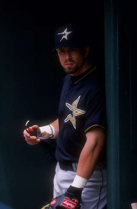 Bagwell won his MVP wearing the shooting-star Astros logo. Photo: Stephen Dunn, Getty Images / Getty Images North America