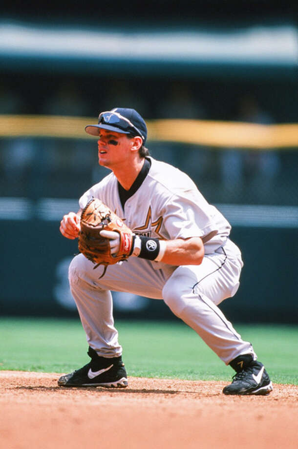 Craig Biggio of the Houston Astros plays against the St. Louis Cardinals on July 11, 1998 at Busch Stadium in St. Louis, Mo. Photo: The Sporting News, Sporting News Via Getty Images / 1998 Sporting News