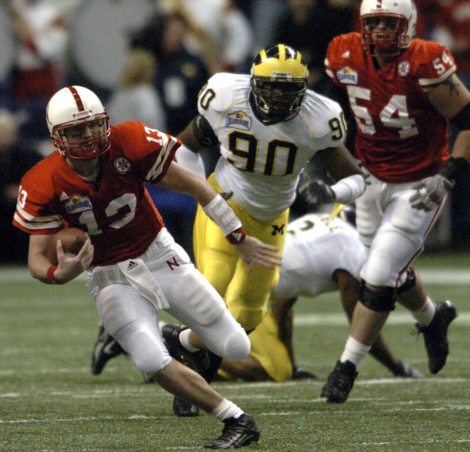 2005: Nebraska quarterback Zac Taylor runs during the first half of the Alamo Bowl against Michigan on December 28, 2005. Nebraska won 32-28. Photo: TOM REEL, SAN ANTONIO EXPRESS NEWS / SAN ANTONIO EXPRESS NEWS