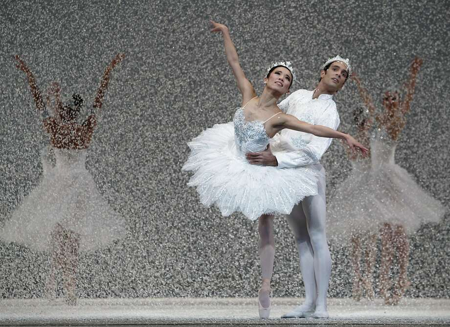 The Queen and King of the Snow (Frances Chung and Jaime Garcia Castilla) dance in the San Francisco Ballet's annual production of the Nutcracker at the War Memorial Opera House in San Francisco, Calif. on Wednesday, Dec. 11, 2013. Photo: Paul Chinn, The Chronicle