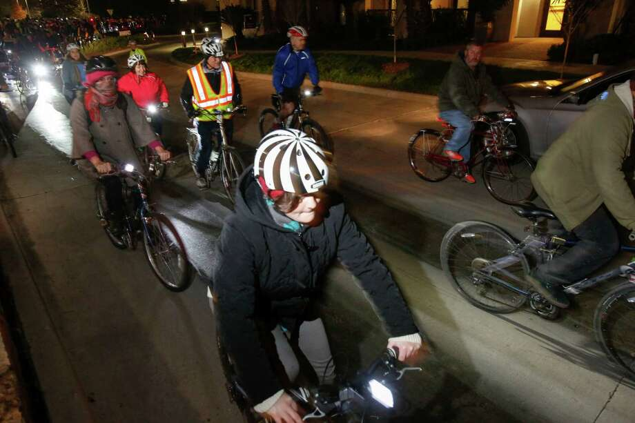 Cyclists near Waugh and Dallas streets. Photo: Eric Kayne, For The Chronicle / Eric Kayne