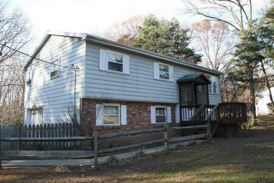 $249,900. 36 MERRALL DR, Clifton Park, NY 12065. Open Sunday, Dec. 15, 1:00 pm - 3:00 pm. View this listing.