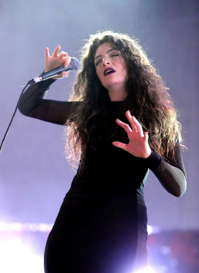 Singer Lorde performs onstage during The 24th Annual KROQ Almost Acoustic Christmas at The Shrine Auditorium on December 8, 2013 in Los Angeles, California. Photo: Kevin Winter, Getty Images For Radio.com