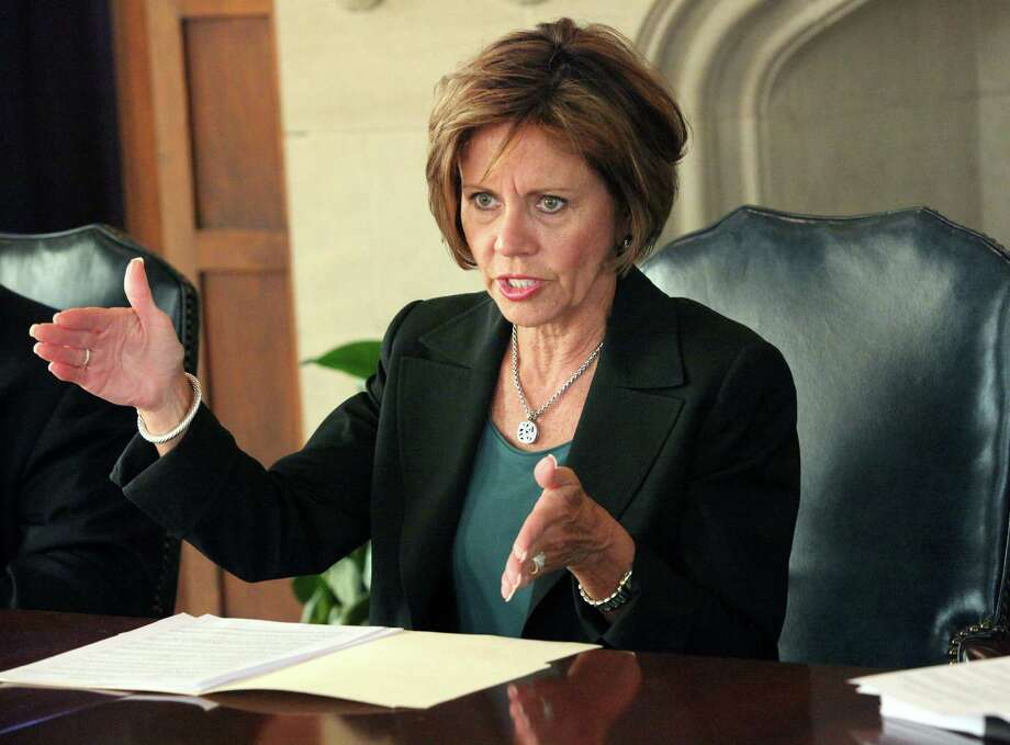 Citing fee increases in city services, a reader wonders why City Manager Sheryl Sculley deserves a pay raise when taxpayers are taking constant hits to their own pocketbooks. Photo: Juanito M. Garza / San Antonio Express-News / San Antonio Express-News