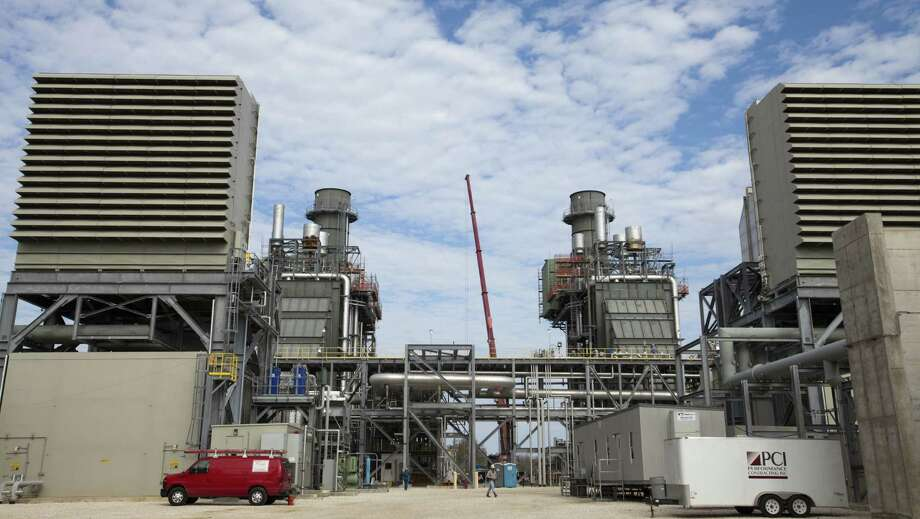 """Natural gas emerges as an easy and practical choice,"" said William Colton, Exxon Mobil's vice president of corporate strategic planning, noting that a plant such as this one in Baytown can be built quickly and for reasonable costs. Photo: Eric Kayne / For The Houston Chronicle / © 2011 Eric Kayne"