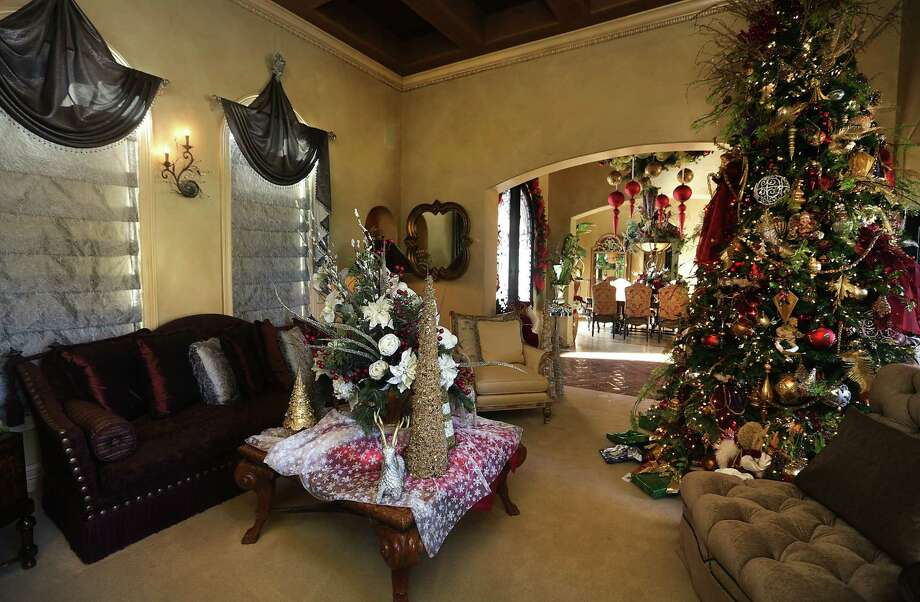 The formal living room in the home of Barbara Baldwin shows her love for Christmas. It takes about two months to decorate the home for the holidays. Photo: Photos By Bob Owen / San Antonio Express-News / © 2012 San Antonio Express-News