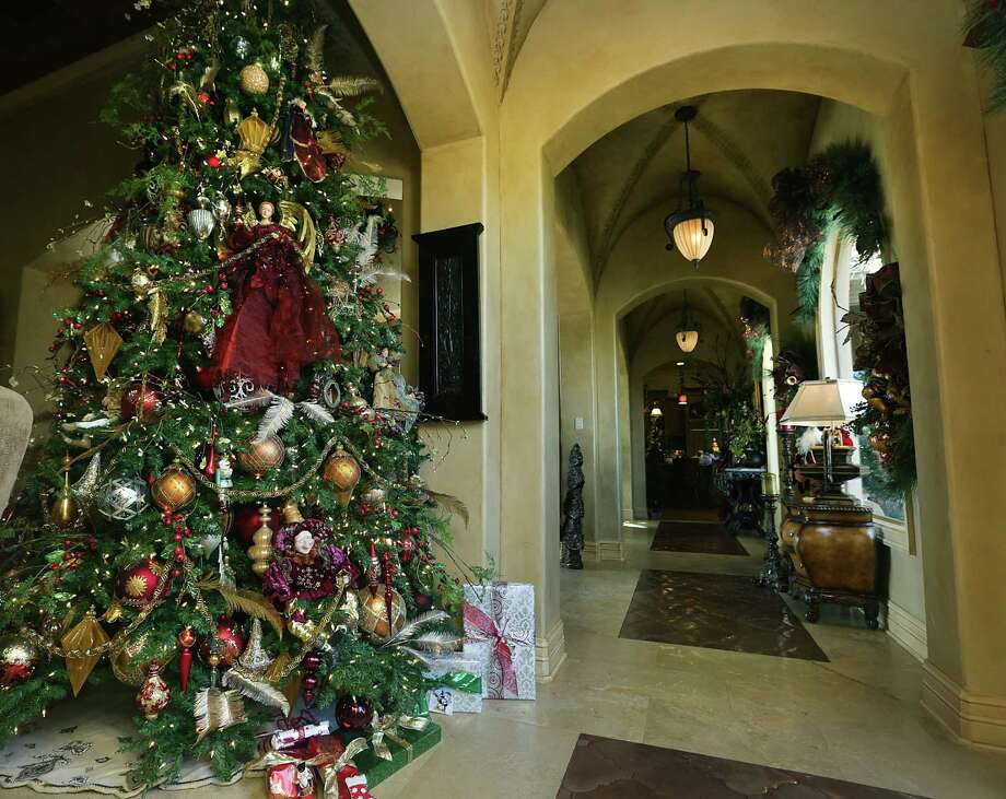 We are in the third week of January after all, and if your tree is still standing in all it's Christmas glory it might be a good day to take down the decorations and store everything away for the end of the year. / © 2012 San Antonio Express-News