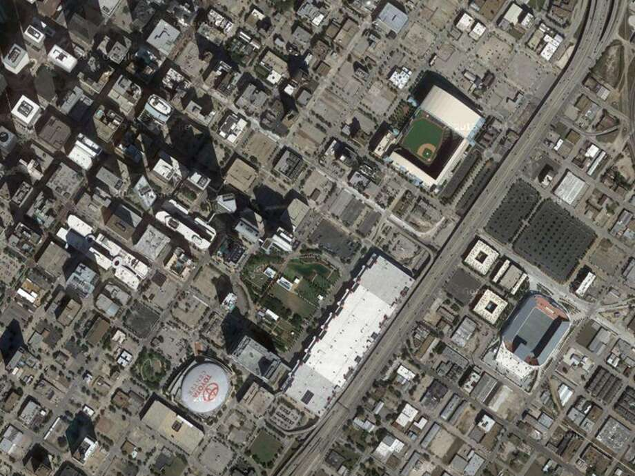 The two landmarks in this aerial should be obvious to most Houstonians – especially sports fans.