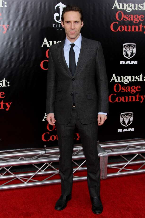 "Alessandro Nivola  attends the ""August: Osage County"" premiere at Ziegfeld Theater on December 12, 2013 in New York City. Photo: Rob Kim, Getty Images For DeLeon Tequila"