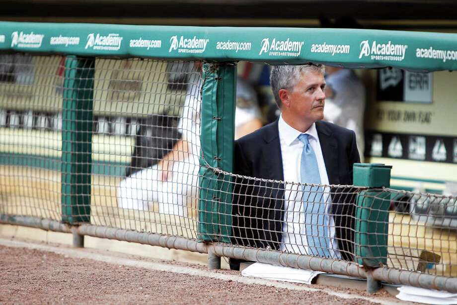 Astros general manager Jeff Luhnow, who earned a garment-fitting patent in a past business life, has honed his negotiating skills through previous endeavors. Photo: Karen Warren, Staff / © 2012  Houston Chronicle