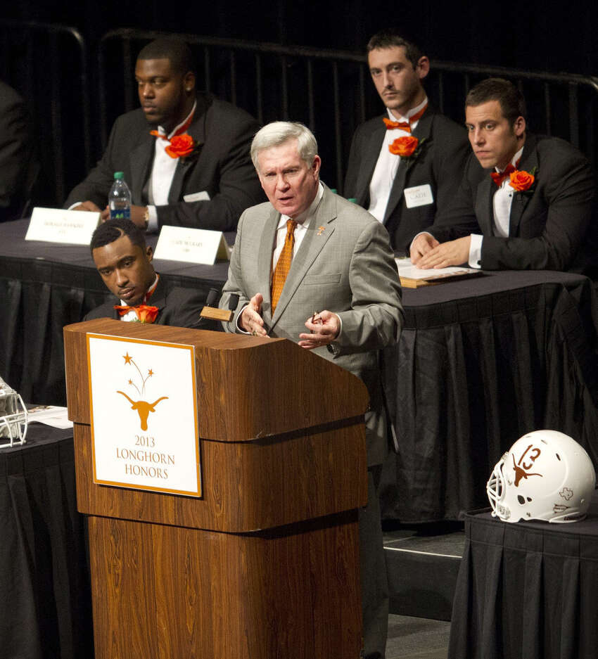 UT head coach Mack Brown addresses the crowd at the Austin honors banquet.