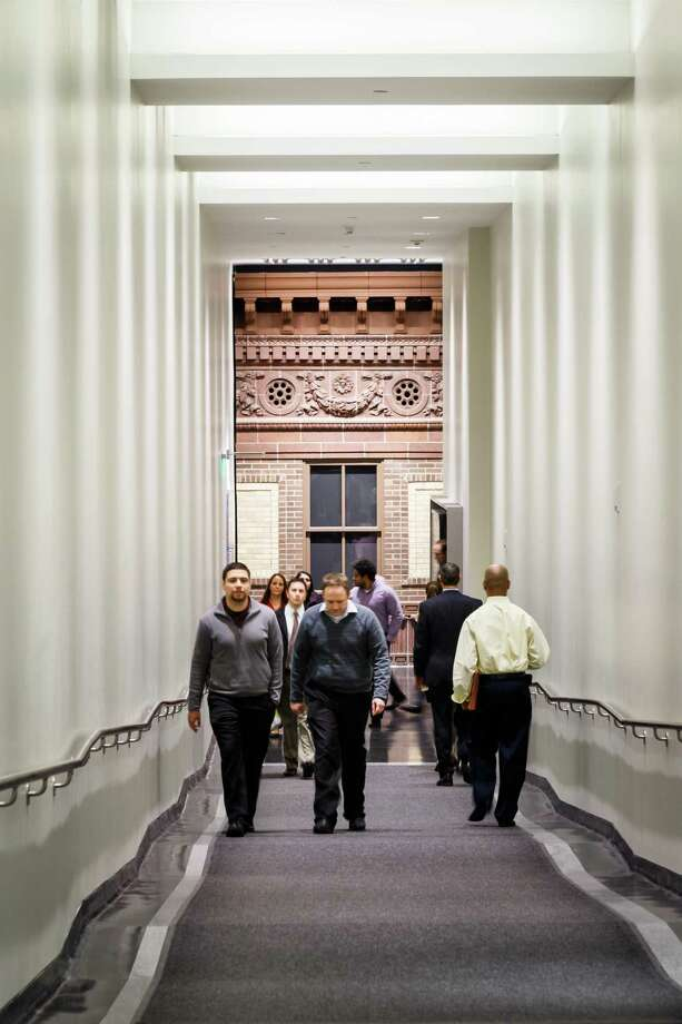 A hallway leads to the downtown tunnel at Walker and Main under 811 Main. The building, which has inspired development nearby, is a finalist in an Urban Land Institute contest. Photo: Michael Paulsen, Staff / © 2013 Houston Chronicle