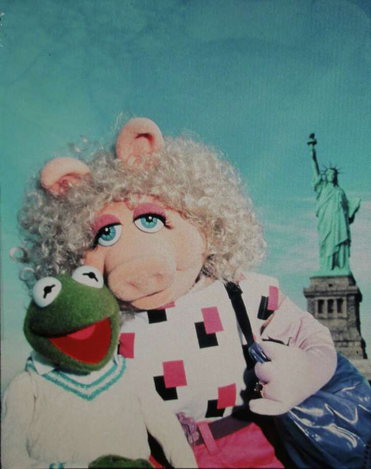 "Kermit The Frog and Miss Piggy star in ""The Muppets Take Manhattan,"" a Tri-Star Pictures release. Photo: Tri-Star Pictures"