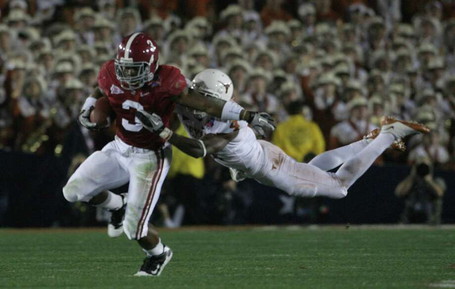 Alabama running back Trent Richardson (3) gets past Texas' Aaron Williams (4) during the second quarter of the Citi BCS National Championship football game at the Rose Bowl on Thursday, Jan. 7, 2010, in Pasadena, Calif. Photo: TOM REEL, San Antonio Express-News / treel@express-news.net