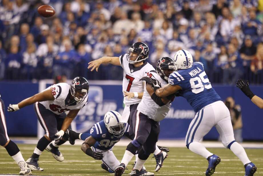 Texans quarterback Case Keenum makes a throw against the Colts. Photo: Brett Coomer, Houston Chronicle