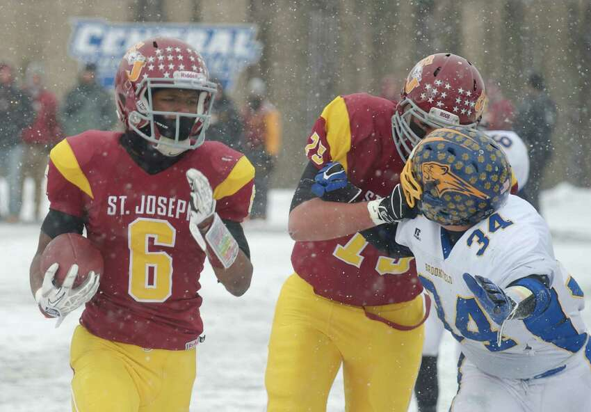 Mufasha Abdul Basir ran like he had played on snow-covered fields all his life. The junior running back carried the ball 19 times for 166 yards and scored three touchdowns.