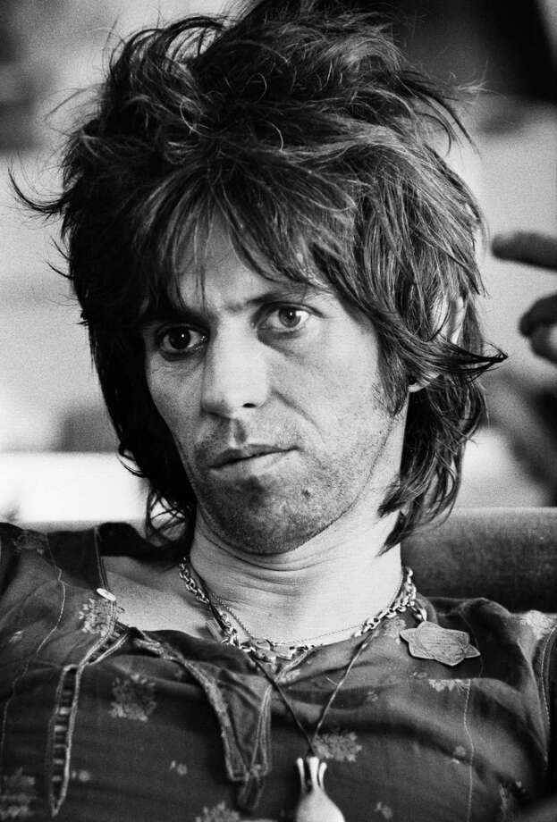 BRUSSELS, BELGIUM - 6th MAY: Keith Richards from The Rolling Stones posed at the Hilton Hotel in Brussels, Belgium on 6th May 1976. (Photo by Gijsbert Hanekroot/Redferns) Photo: Gijsbert Hanekroot, Getty Images / 1976 / Gijsbert Hanekroot