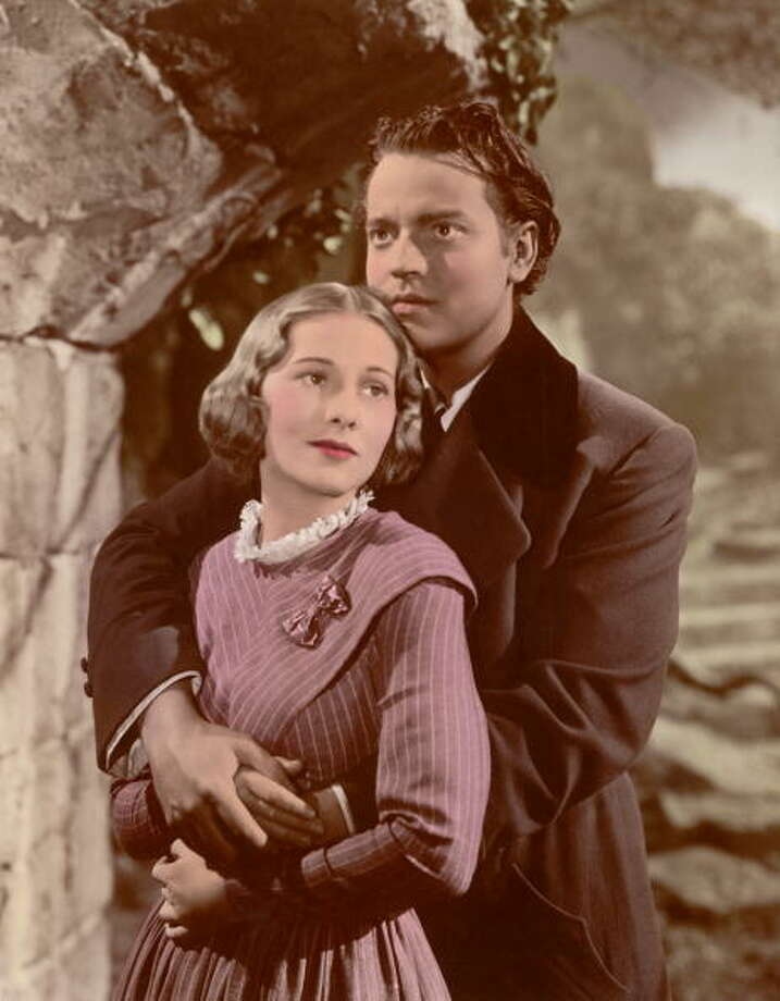 Orson Welles (1915 - 1985) and Joan Fontaine star as Mr Rochester and Jane in the 1944 film 'Jane Eyre'. (Photo by Archive Photos/Getty Images) Photo: Archive Photos, Getty Images / 2007 Getty Images