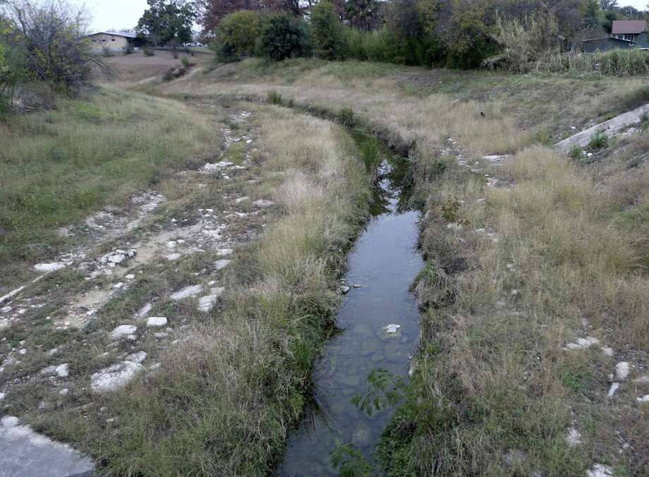 Alazán Creek, along with Martinez Creek, will have short trails added at a cost of $1.5 million. Construction will start either May or June and will last at least a year. Photo: Helen L. Montoya / San Antonio Express-News / ©2013 San Antonio Express-News