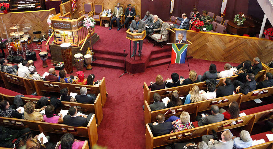 People gathered at Mount Zion First Baptist Church for the Nelson Mandela memorial, which featured musical performances. Photo: Photos By Cynthia Esparza / For The San Antonio Express-News / FOR THE SAN ANTONIO EXPRESS-NEWS