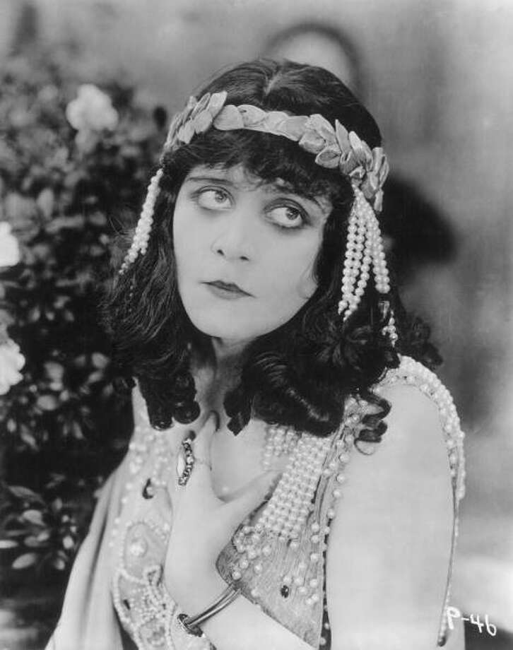 Theda Bara (1885-1955), the first vamp of the American screen. Photo: Hulton Archive, Getty Images