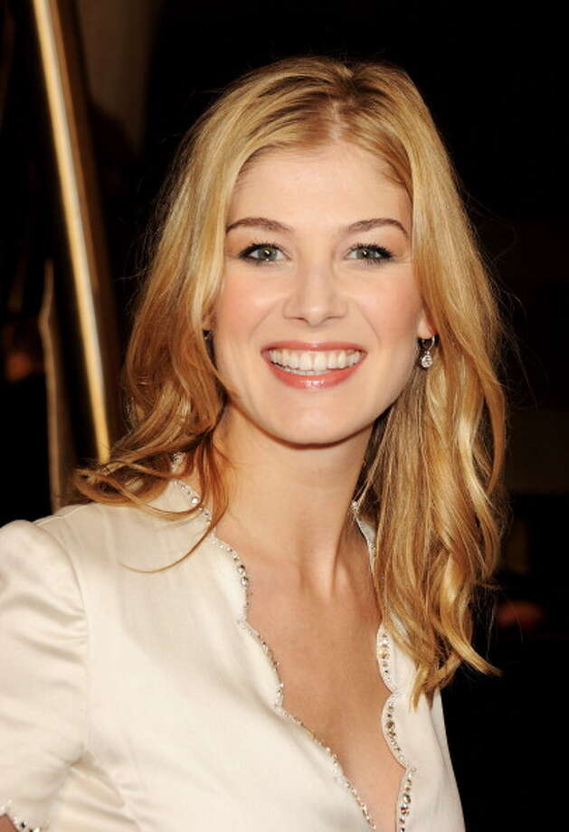 Rosamund Pike  on February 10, 2011 in London, England. Photo: Dave M. Benett, Getty Images / 2011 Dave M. Benett