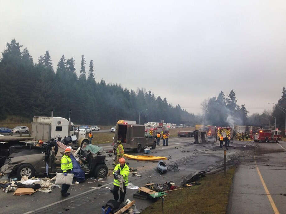 Emergency crews respond to the accident on Interstate 5 at the Mounts Road exit between Tacoma and Olympia. Photo: Trooper Guy Gill, Washington State Patrol / Washington State Patrol