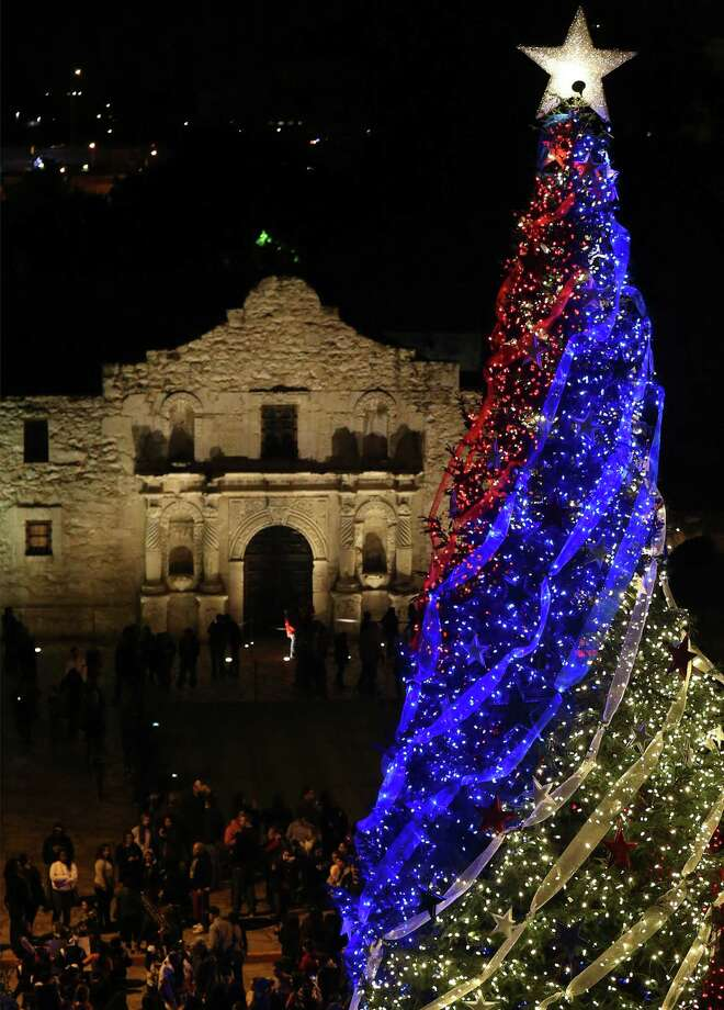 With the Christmas season upon us, as exemplified by the 55-foot White Fir Christmas Tree in Alamo, one of our readers issued his family a gift-giving challenge. He has been disappointed in the results. Photo: Edward A. Ornelas / San Antonio Express-News / © 2013 San Antonio Express-News