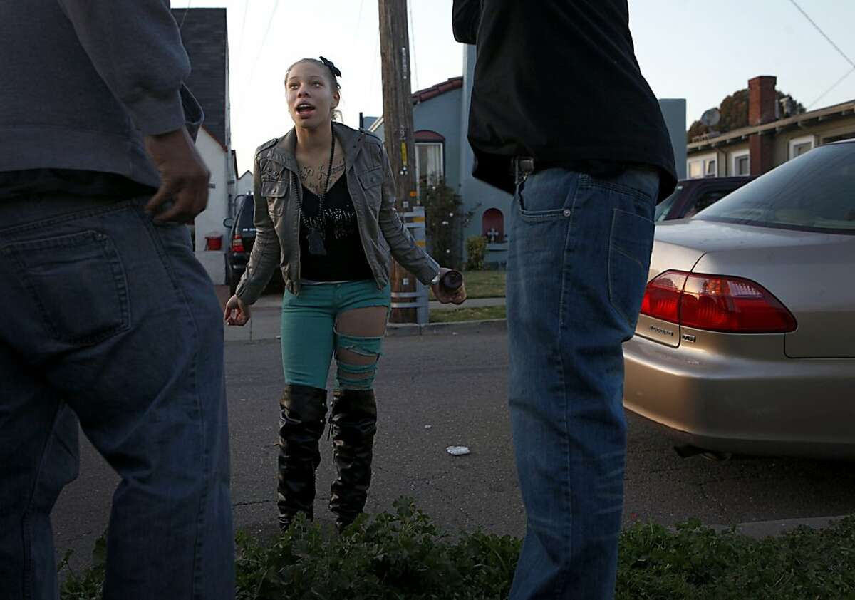 Brijjanna Price reacts after her father Ramon Price Sr., left, made a comment about her appearance on Monday February 20, 2012, in Oakland, Calif. Photo: Lacy Atkins, The Chronicle