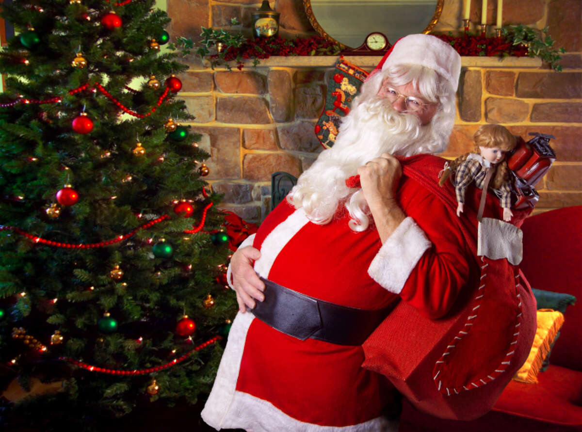 CALORIC BREAKDOWN: Number of calories consumed by Santa Claus on Christmas Eve Think your annual holiday glut has been hard on your waistline? Imagine the plight of dear old Santa Claus ...