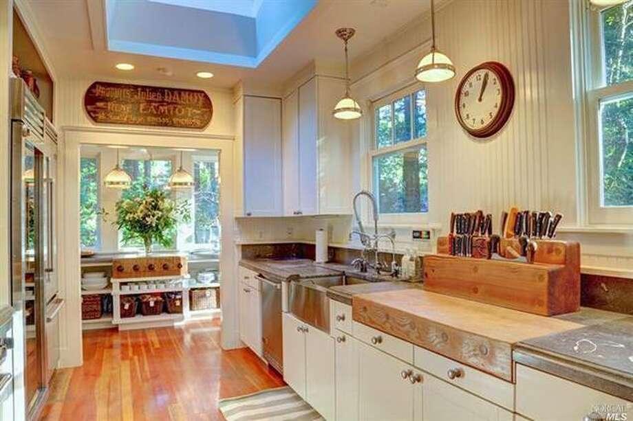 More of that kitchen. Photos via Estately  /Pacific Union International