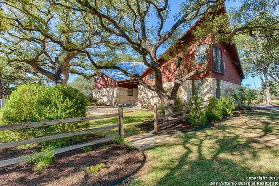 Parklike 1+ corner lot with over 45 oak  trees and Boerne Schools. Photo: Courtesy