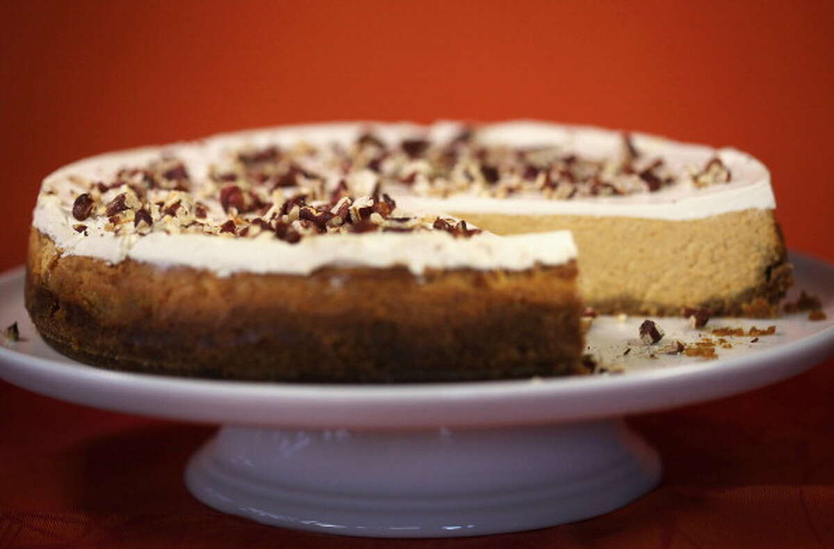 Cheese cakeServing size 2.8 ouncesCalories 257Calories from fat 162