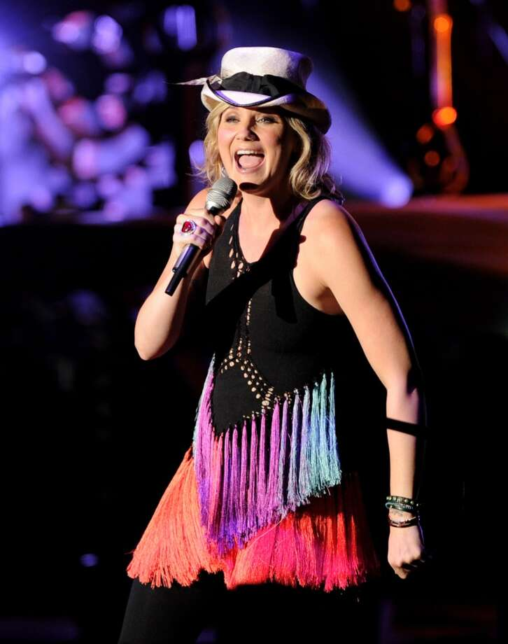 Singer Jennifer Nettles of Sugarland performs at the Greek Theatre on July 25, 2011 in Los Angeles. Photo: Kevin Winter, Getty Images