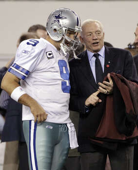 "Dallas Cow-boys owner Jerry Jones and his star quarterback, Tony Romo. A reader is ready to jump ship because of what he calls the team's ""stupidity"" in the basics of game management. Photo: Associated Press File Photo / AP"