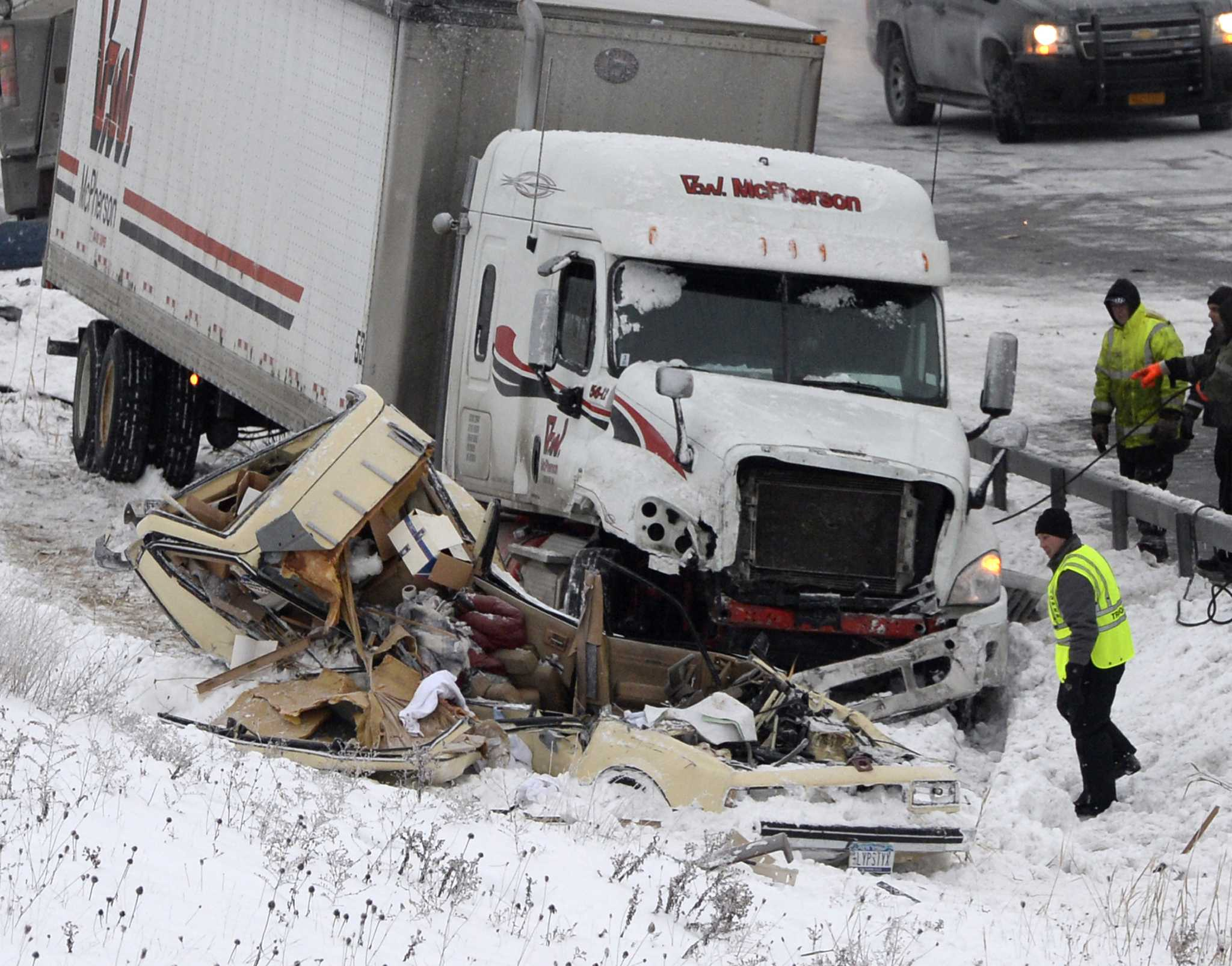 Trooper in crash dies - Times Union