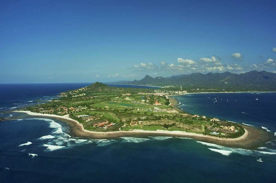 Aerial view of Punta Mita, Nayarit, Mexico, March 2010 Photo: Mark D Callanan, Getty Images / (c) Mark D Callanan