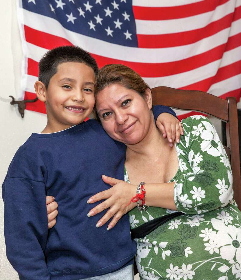 Gloria Miranda has made sure her 7-year-old son, Thomas, is fluent in English as well as in Spanish. Now he wants to learn Chinese. Photo: Craig Hartley, Freelance / Copyright: Craig H. Hartley