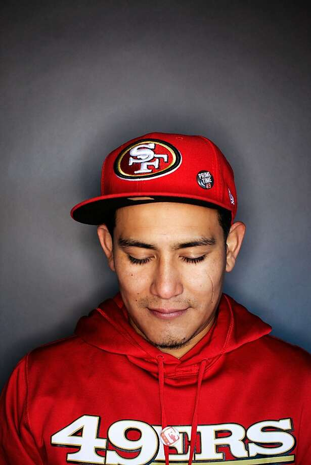 49ers fan Adrian Avila, 29, of San Jose. Photo: Mike Kepka, The Chronicle