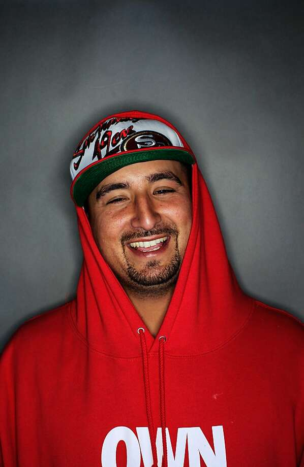 49ers fan Pep Mendoza, 29, of Pittsburg. Photo: Mike Kepka, The Chronicle