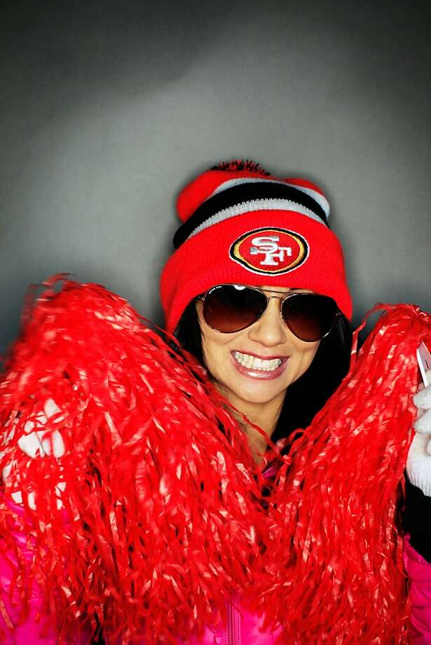 49ers fan Beverly Vito, 40, of Vallejo. Photo: Mike Kepka, The Chronicle