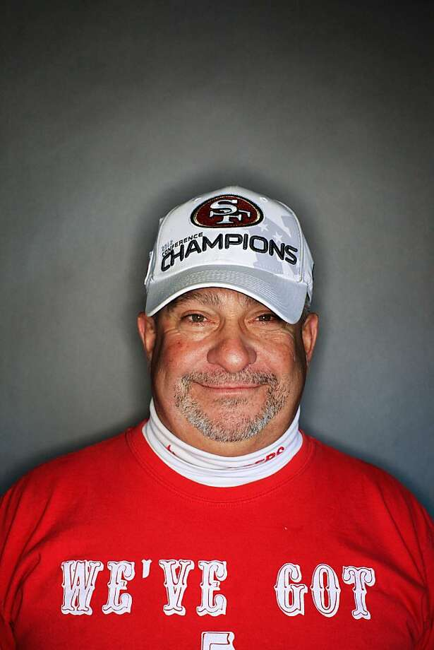 49ers fan Jeff Kahn, 56, of San Jose. Photo: Mike Kepka, The Chronicle
