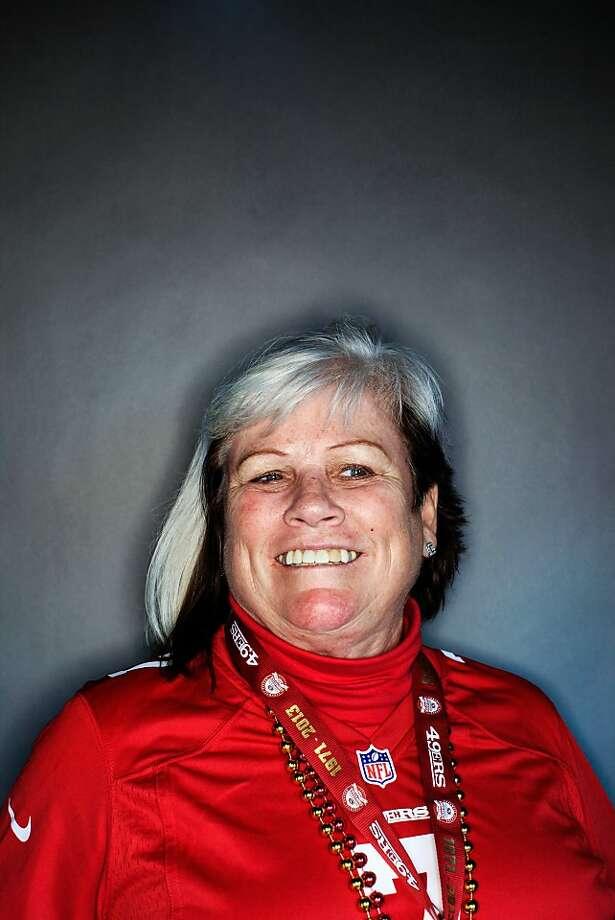 49ers fan Karen Elliot, 62, of Milpitas. Photo: Mike Kepka, The Chronicle