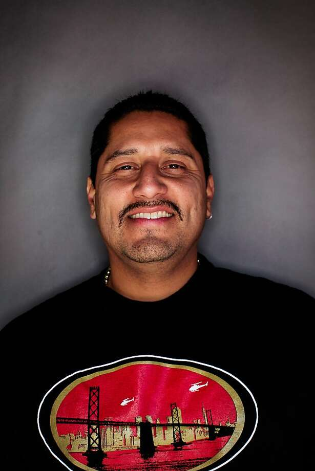 49ers fan Luis Valera, 40, of Daly City. Photo: Mike Kepka, The Chronicle