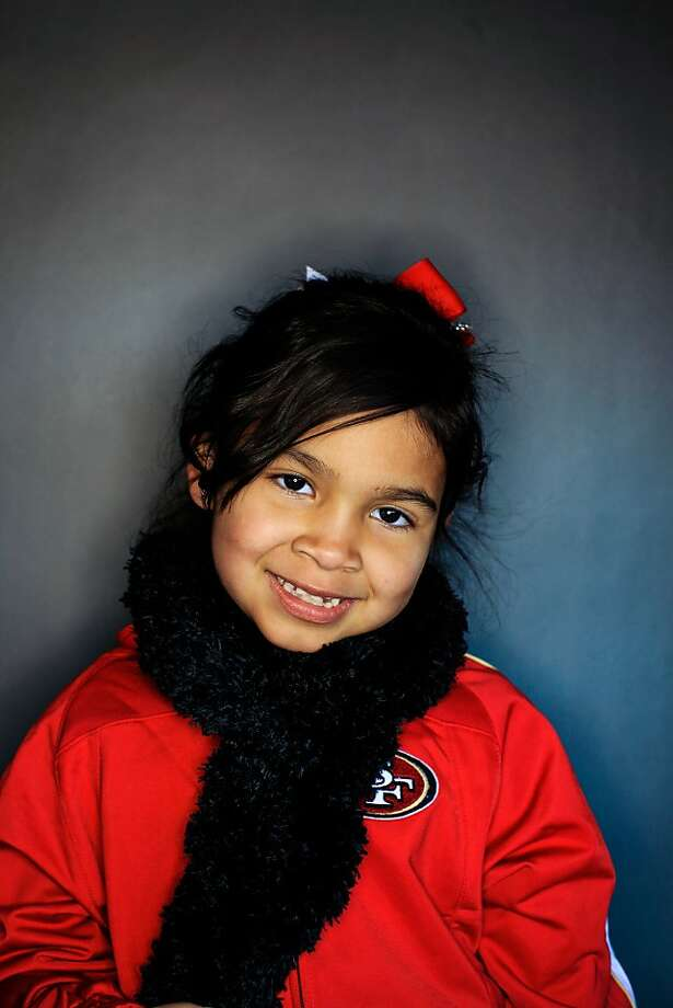 49ers fan Ashlee Garcia, 6. Photo: Mike Kepka, The Chronicle
