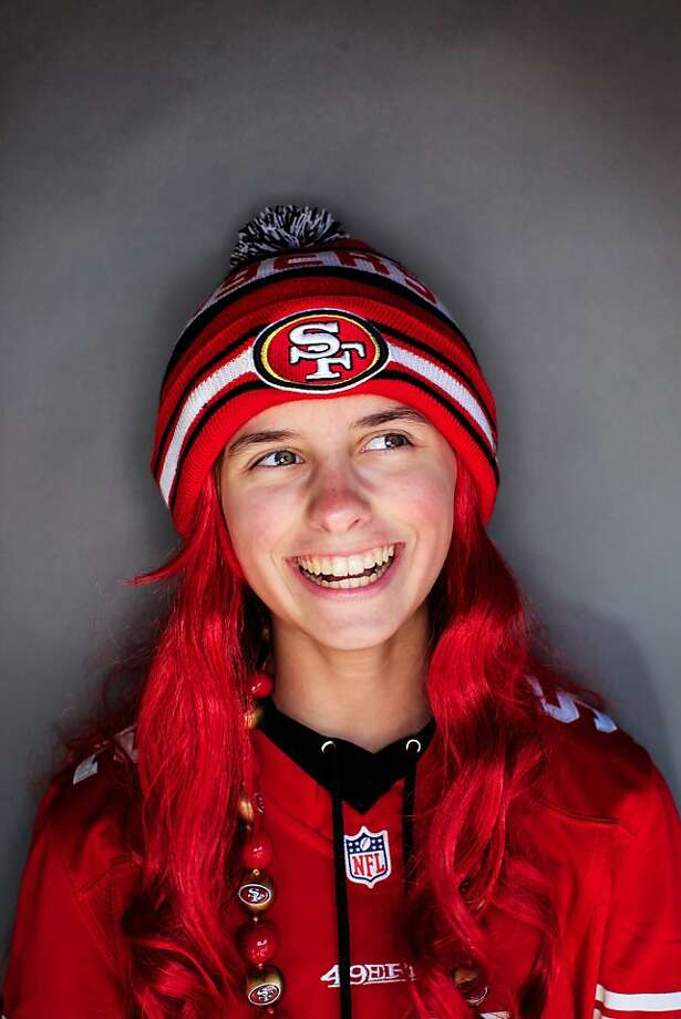 49ers fan Alyssa Lennen, 12, of Stockton. Photo: Mike Kepka, The Chronicle