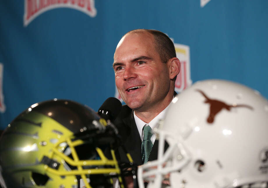 First-year Oregon coach Mark Helfrich, who says he's trying to instill discipline in the program, has suspended cornerback Troy Hill and tight end Pharoah Brown for the Alamo Bowl. Photo: Jerry Lara / San Antonio Express-News / © 2013 San Antonio Express-News