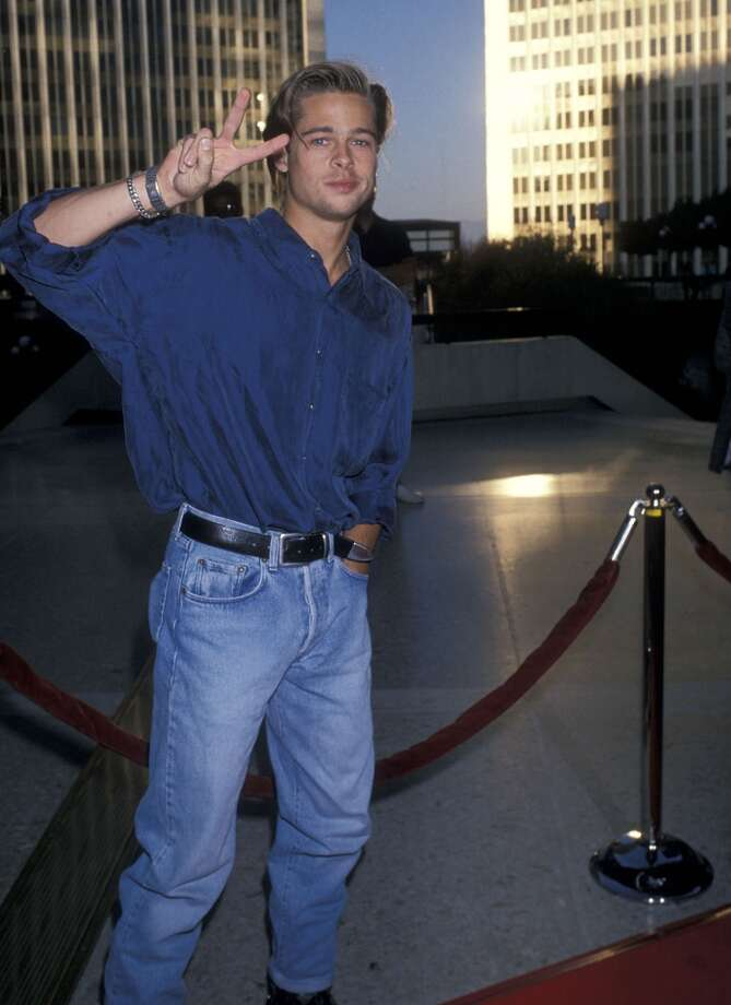 Baggy shirt, rolled pants and a peace sign. Yes. Photo: Ron Galella, Ltd., WireImage