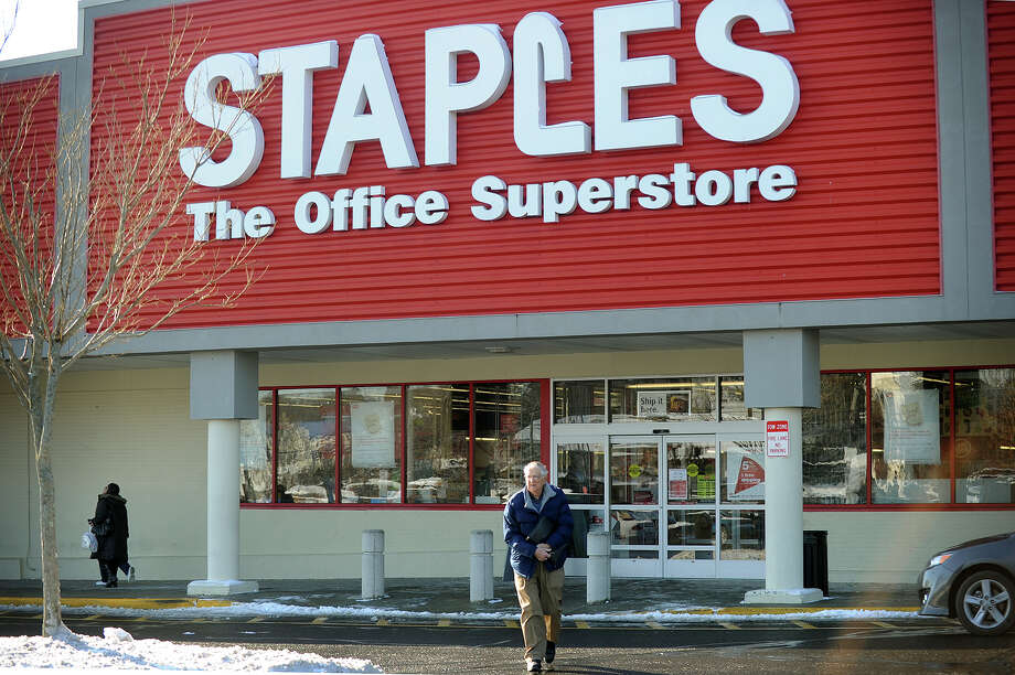 The Staples store at 4543 Main Street in Bridgeport, Conn. is closing on January 4. Photo: Brian A. Pounds / Connecticut Post